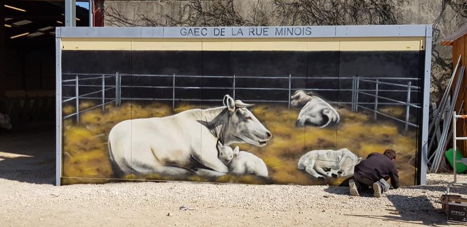 trompe-l'oeil-fresque-vache-ferme-coron-côte-d'or