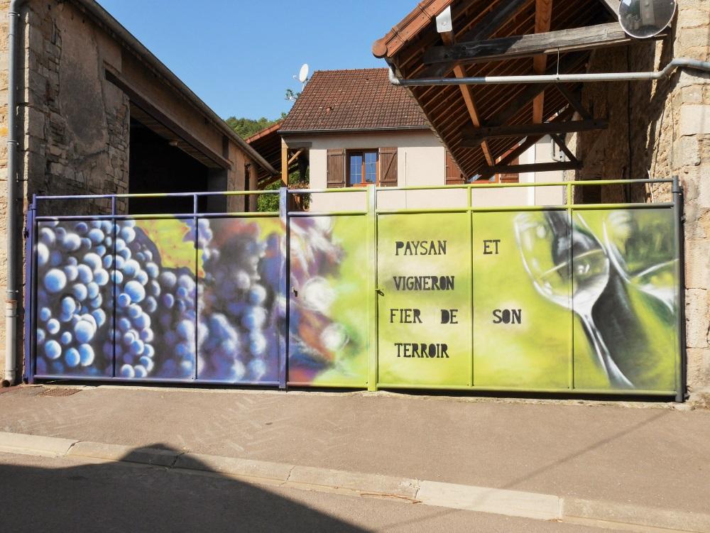 fresque-murale-portail-raisin-vigne-champagne-crémant-paysan