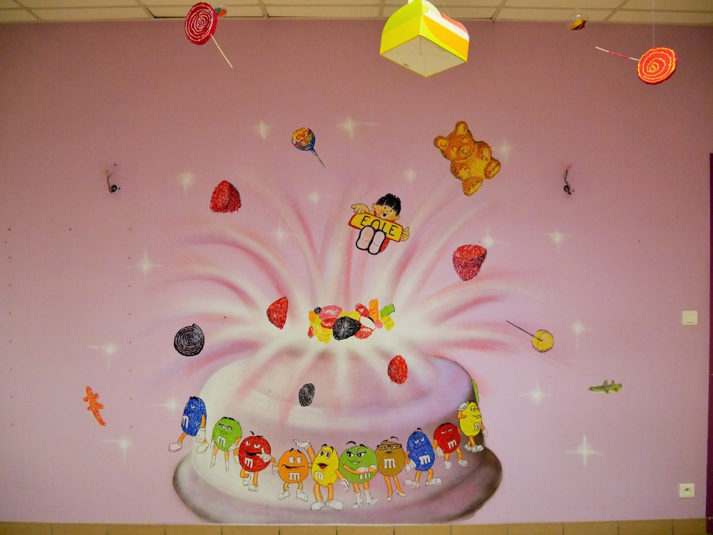 fresque-chambre-graffiti-bonbon-gourmand-déco