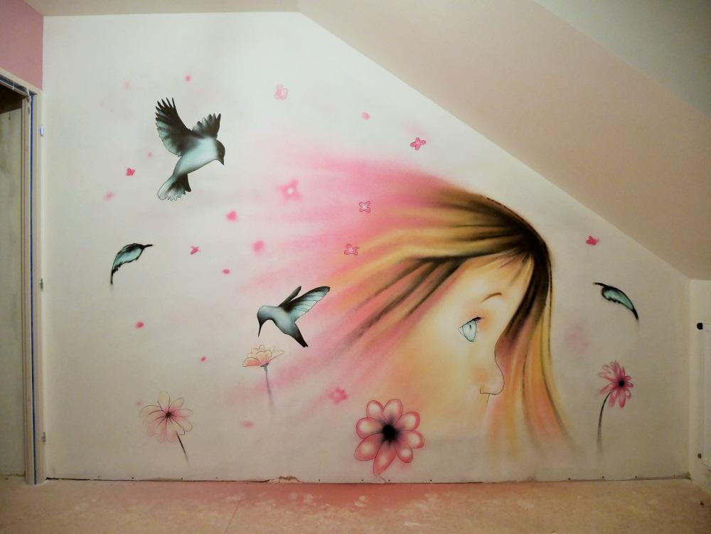 fresque-chambre-fille-oiseau-fleur-plume