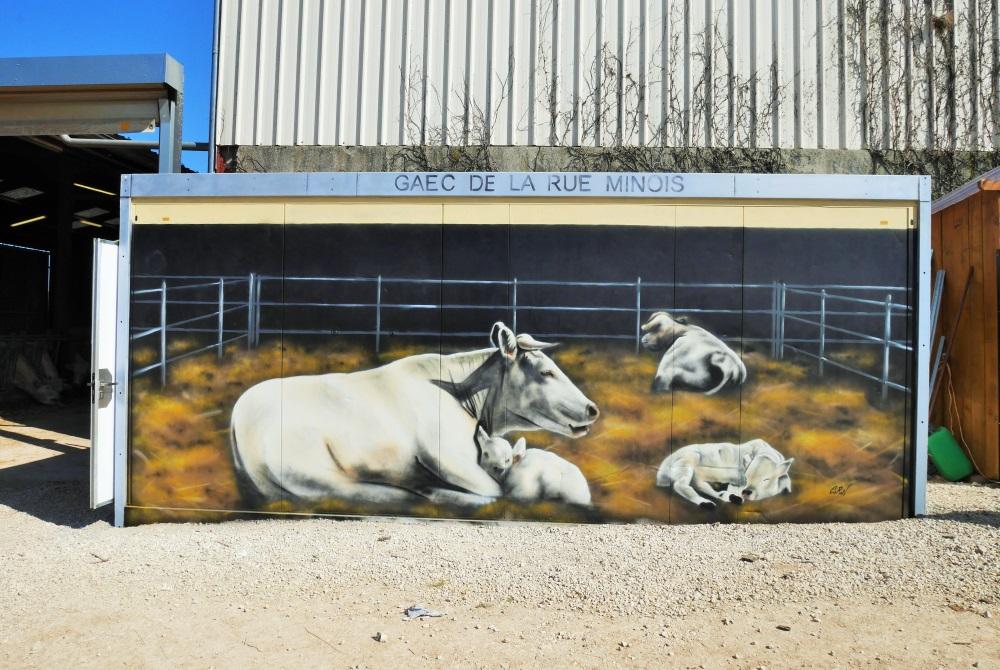 trompe-l'oeil-fresque-conteneur-décoration-vache
