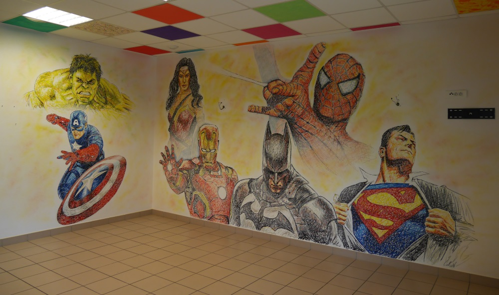 fresque-murale-super-héros-hulk-iron-man-wonder-woman