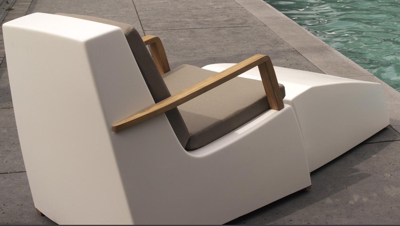 LOUNGE - Chair + hocker