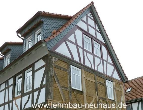 Fachwerkrestaurierung - Gefache mit Lehmstein und Kalkputz