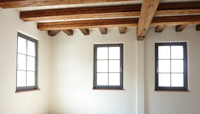 Denkmalsanierung - Fachwerkhaus sanieren mit Wandheizung, Lehmputz und Lehmfarbe in 60437 Frankfurt Bonames - Lehmbau Neuhaus
