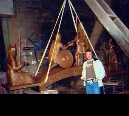 """""""Friedensbrunnen"""" 2004; Bildhauer: Schwendner Werner; Standort: Illertissen; Guß: Franz Jahn"""