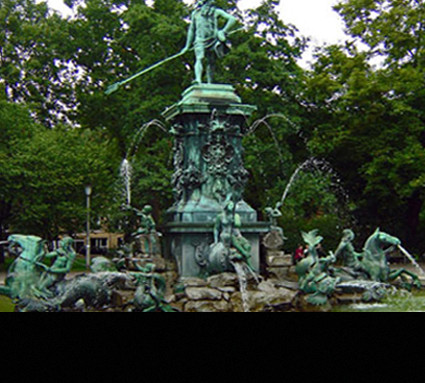Neptun-Brunnen, 1902; Standort: Nürnberg, Stadtpark; Bildhauer: Georg Schweiger; Guß: Ernst Lenz