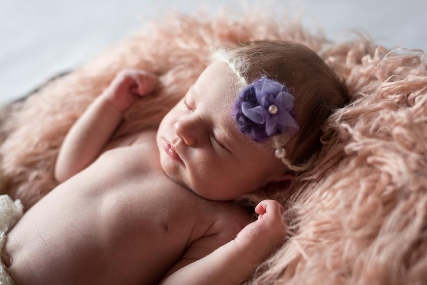 Newborn Mädchen Fotoshooting
