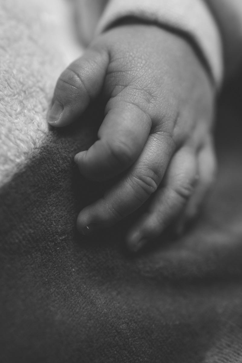 Newborn Detail Händchen