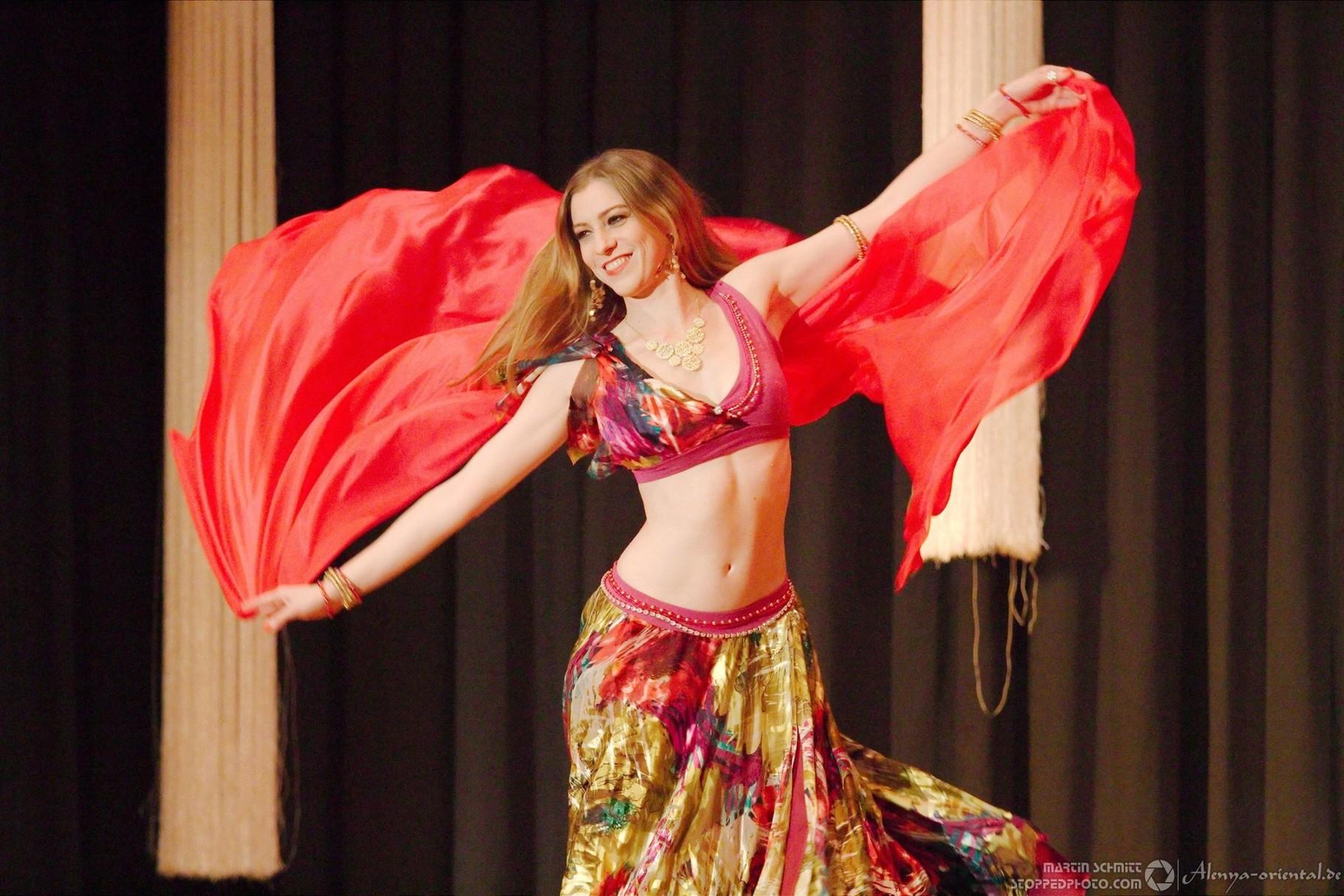 © Martin Schmitt -  Alenya - Tanz durch den Orient