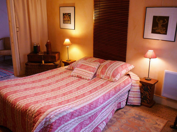 http://www.chambres-hotes-bayeux-jardins.fr - Chambre Indochine 1