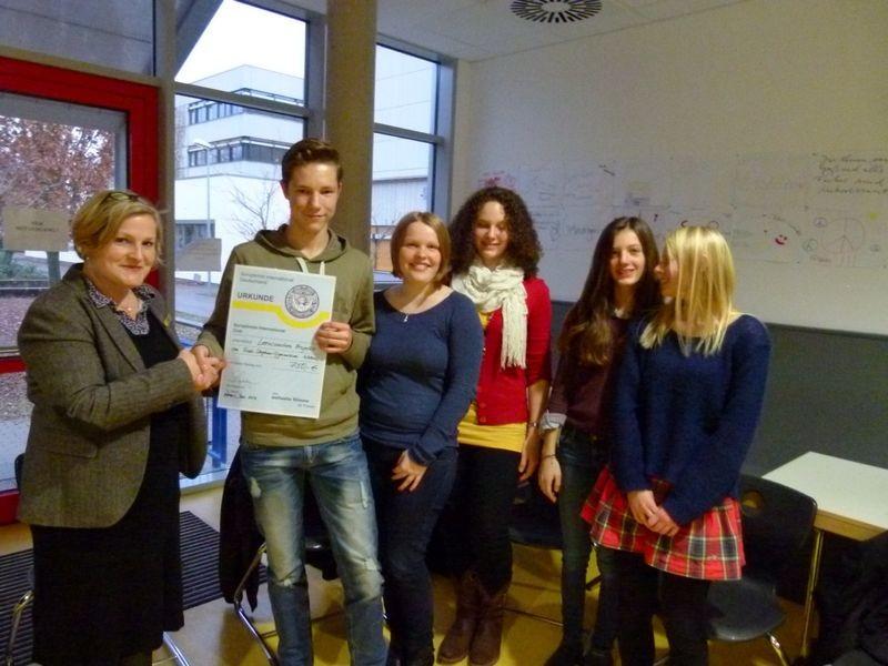 2013 Spendenübergabe Rudi-Stephan-Gymnasium