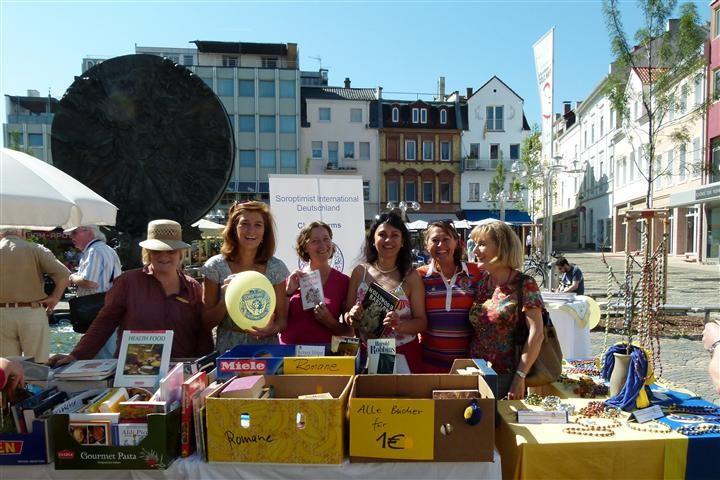 2012 Bücherflohmarkt