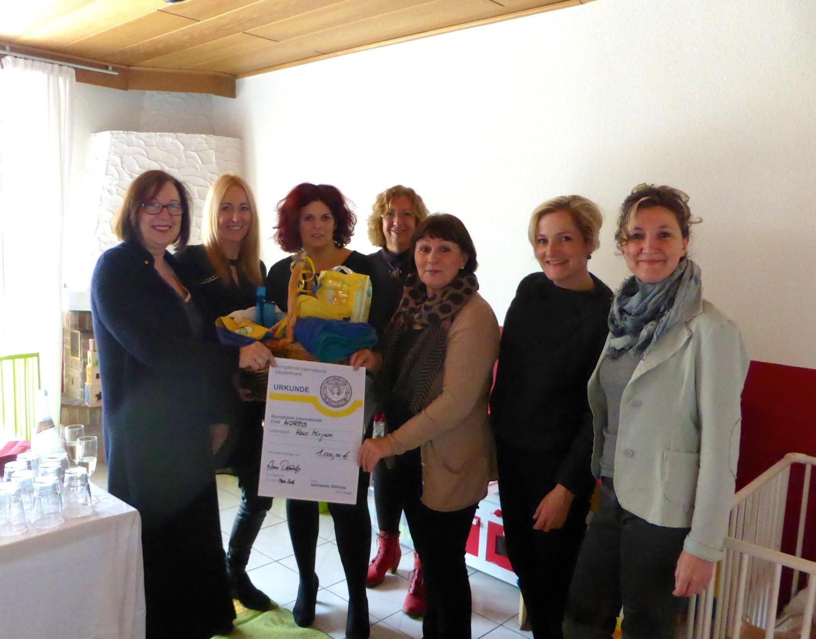 2016 03 Spendenübergabe Haus Mirjam