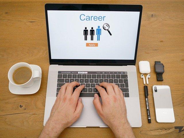 Entschädigungsanspruch wegen Altersdiskriminierung in einer Stellenanzeige