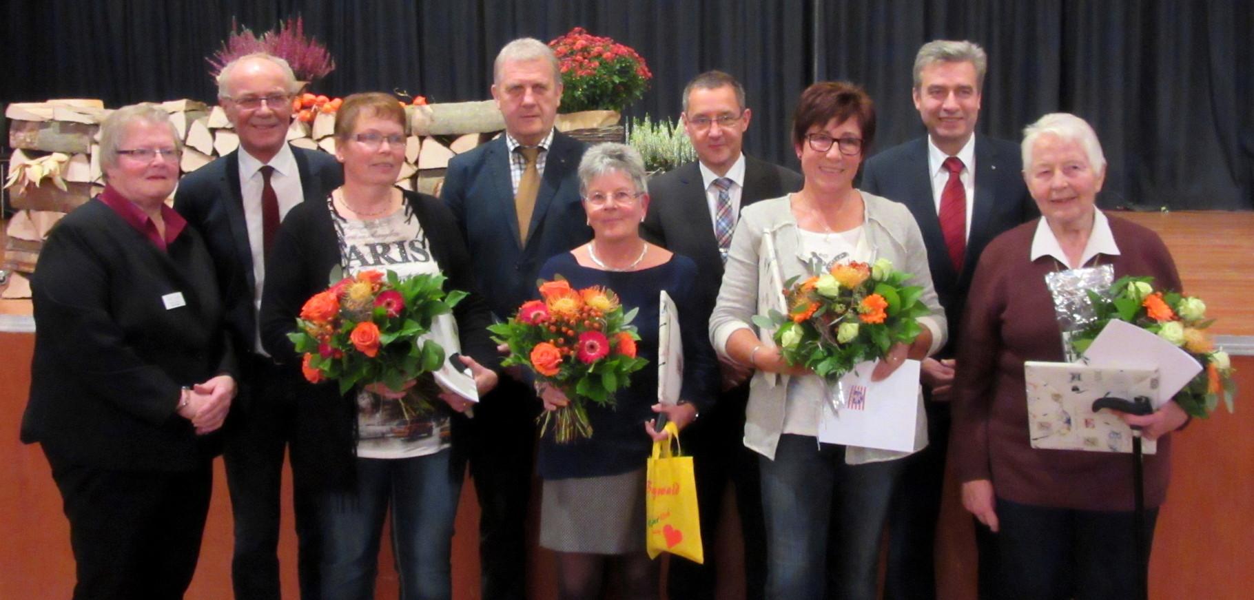 Landfrauentag am 28.10.15. Verleihung des Landesehrenbriefs an Hiltrud Möller