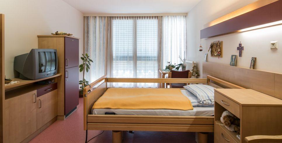 Zimmer Pflegehaus Nestelbach