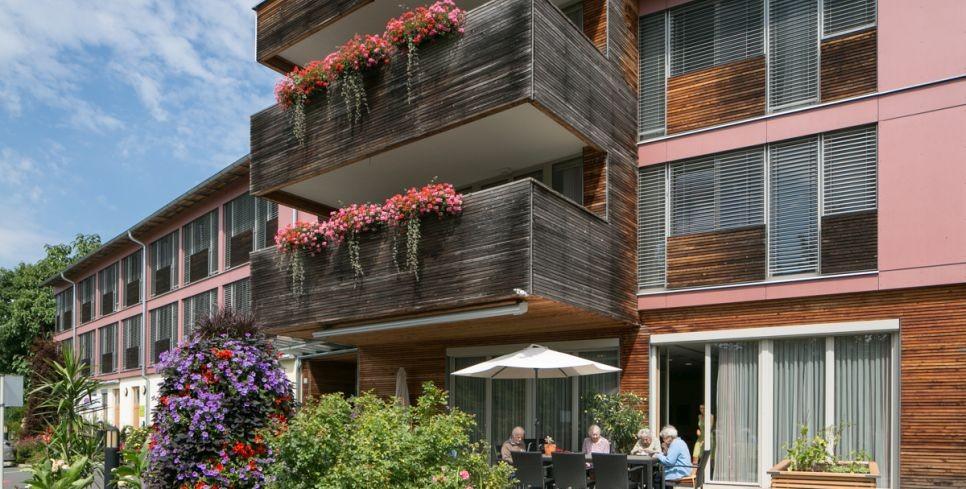 Terrasse Freizeit Sonne Pflegehaus Nestelbach