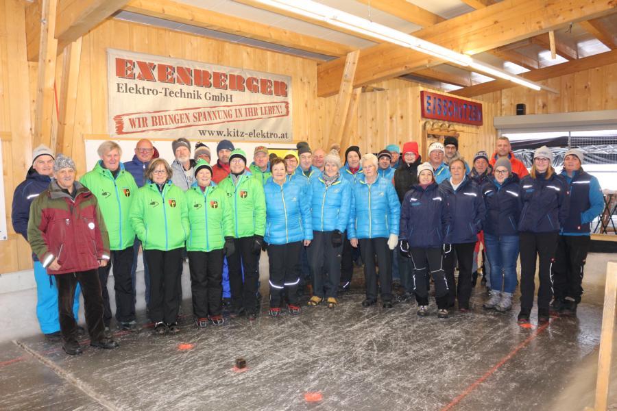 14 Damen und 18 Herren nahmen am Eröffnungsschießen teil - Foto: S.Trabi