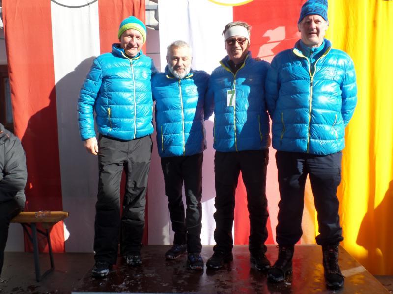 Sieger: EV Fieberbrunn I: Josef Foidl, Wolfgang Baumann, Hans Payr, Franz Gschnaller