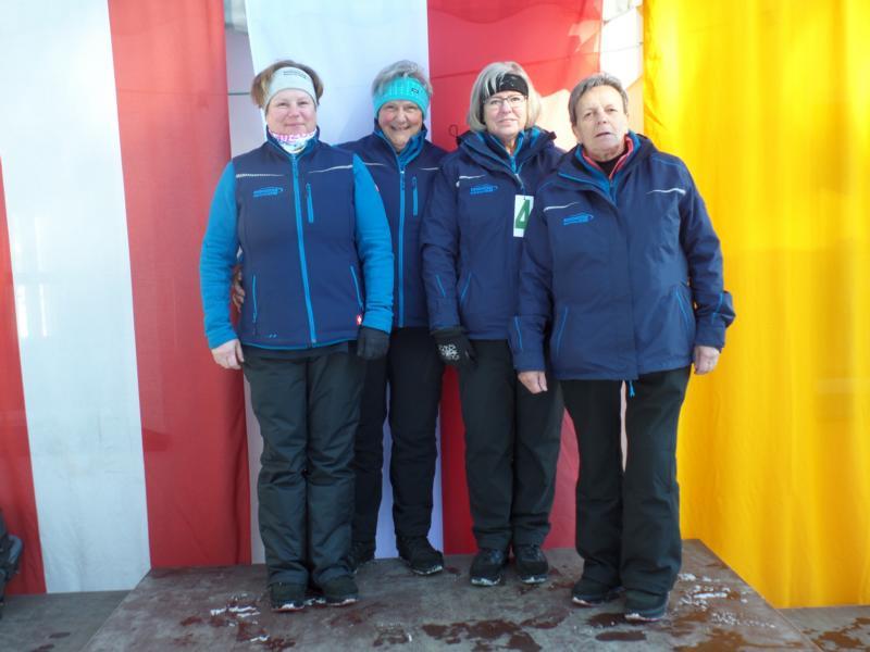 8. Platz: EC Brixen II: Maria Laiminger, Traudi Exenberger, Bettina Hölzl, Elfriede Beihammer