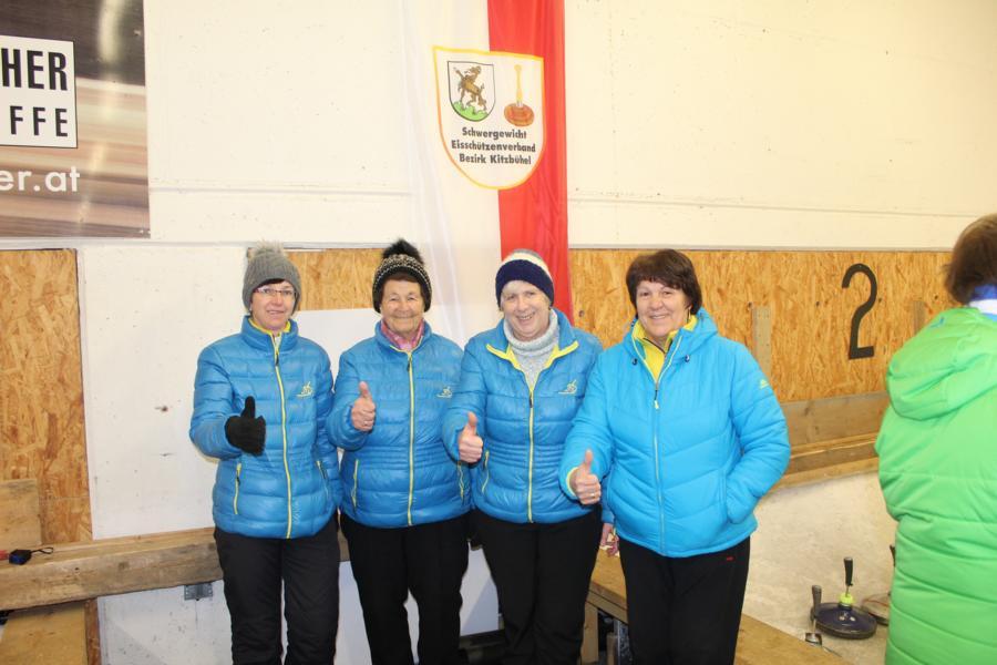 2. EV Fieberbrunn I - Annemarie Holzmann-Seisl, Enzei Huetz, Irmgard Gschnaller, Maria Tschiltsch