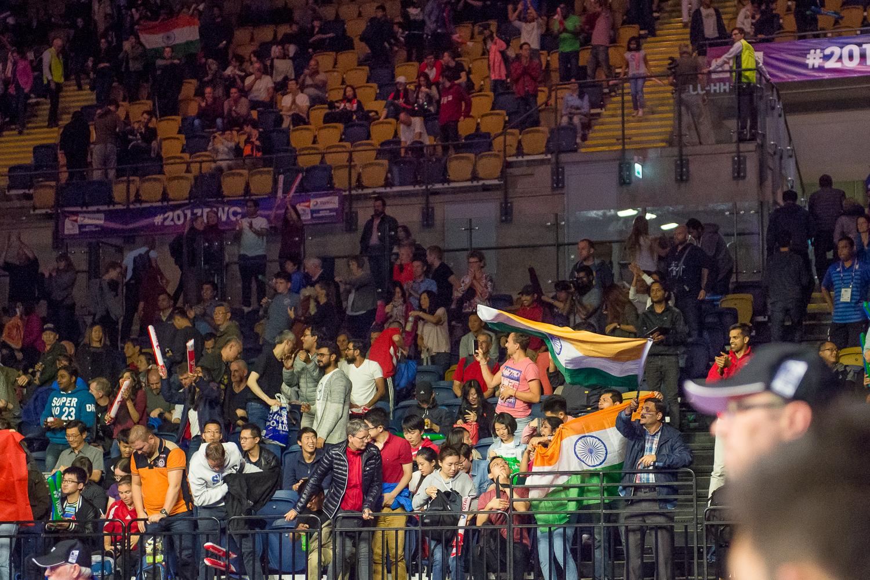Dennoch hatte die indischen Fans zum Tagesabschluss noch etwas zu jubeln