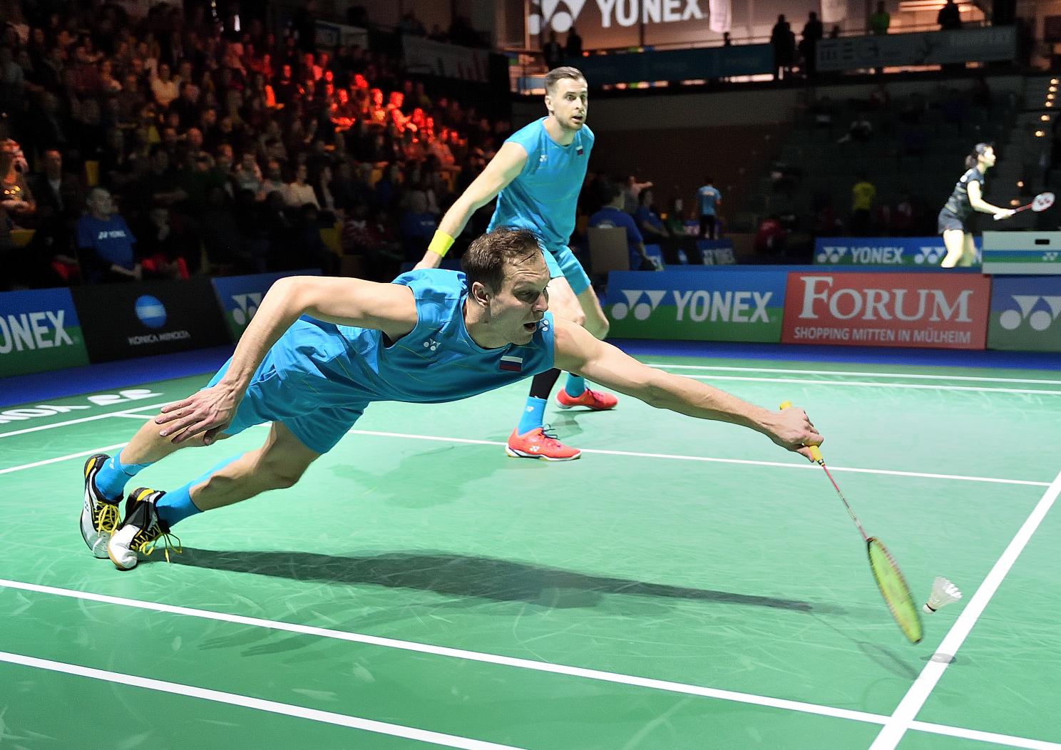 Das russische Badmintonduo Ivanov/Sozonov zeigte vollen Einsatz um in das Halbfinale zu kommen - was ihnen auch gelang
