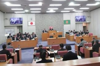 本会議の様子(12月5日)