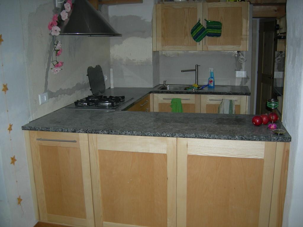 Kücheneinbau  Zingrich Robert Schreinerei-Zimmerei 3813 Saxeten - Gemeinde Saxeten