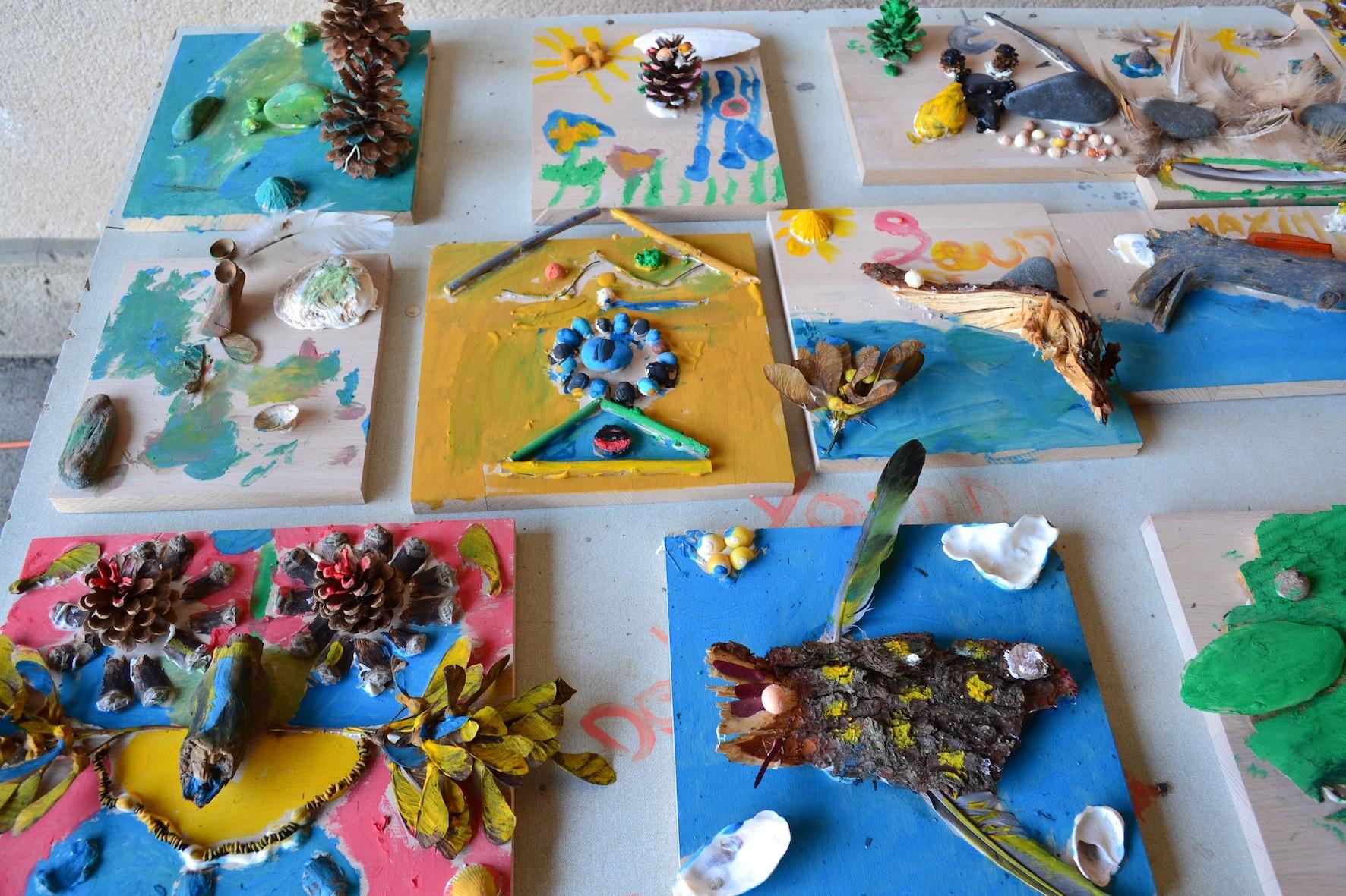 l'espace de création pour les enfants animé par N. Rouxelin