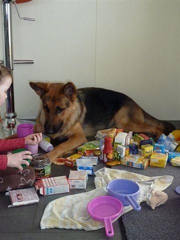 Siska will auch spielen, kann sich aber noch nicht entscheiden womit