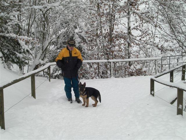 Vlaja und ihr erster Schnee.