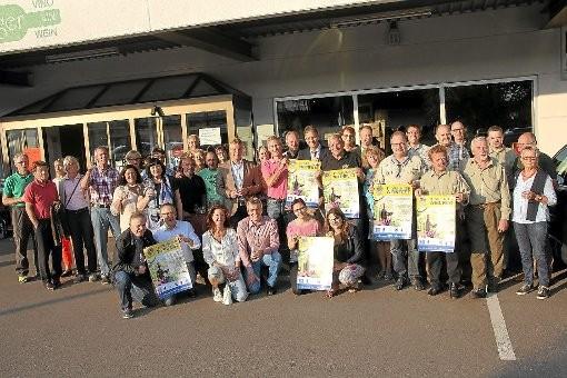 Viele helfende Hände werden beim elften Weinfest des Lions-Clubs Villingen am Samstag, 2. August, in der Villinger Innenstadt wieder mit anpacken. Foto: Heinig