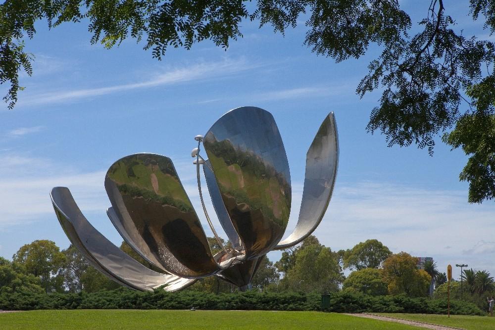 Buenos Aires / Skulptur Floralis Genérica