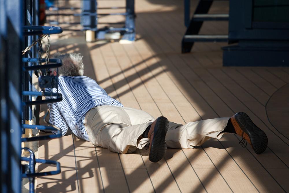Beagle Kanal / Fotograf schmeisst sich auf den Boden