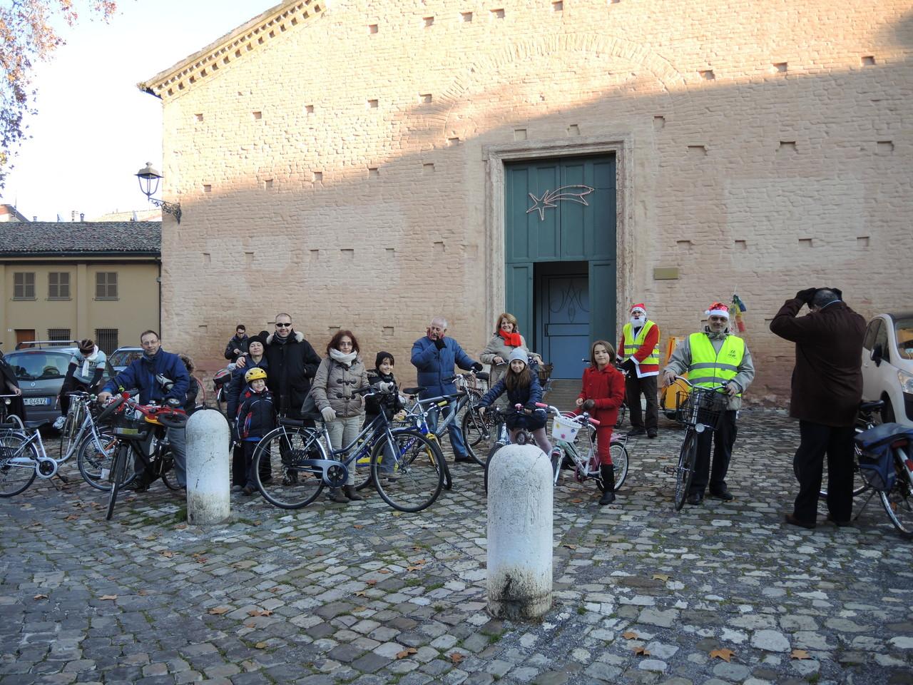 gruppo partecipanti pedalata ADVS - Telethon