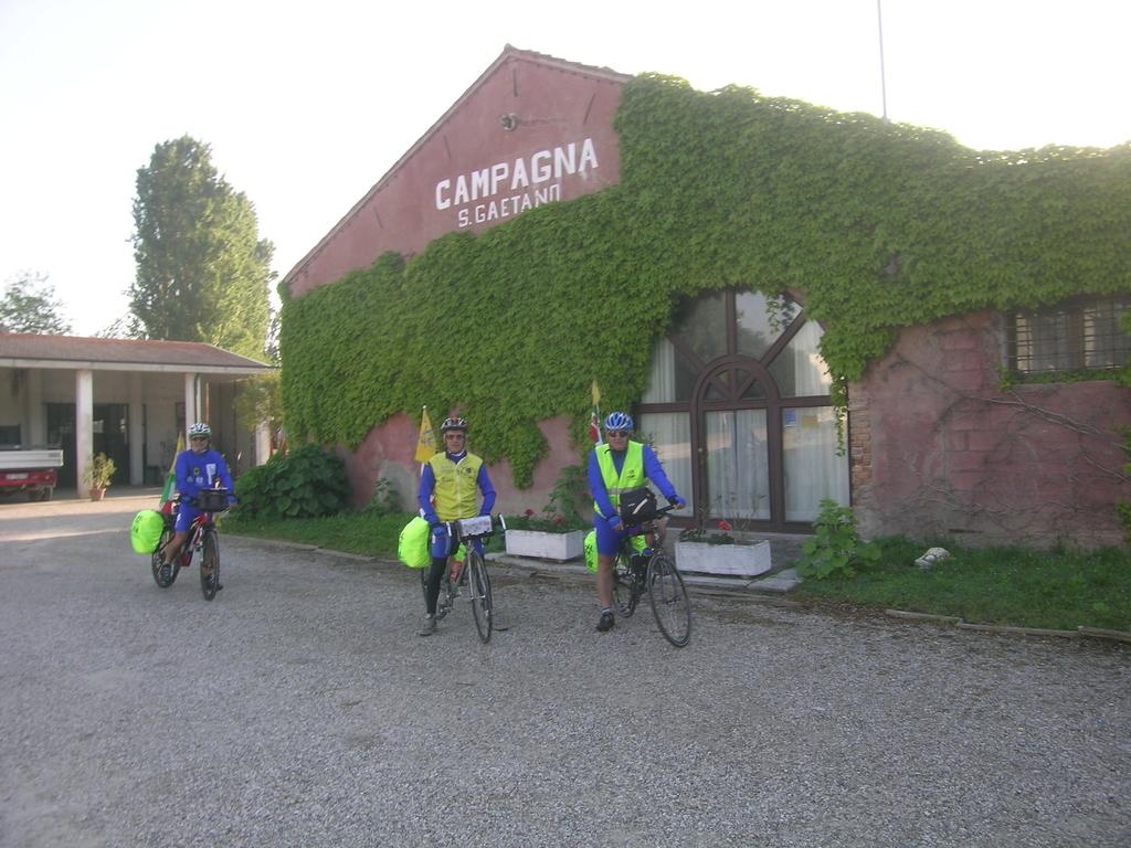 Davanti all'Agriturismo San Gaetano a Porto Levante