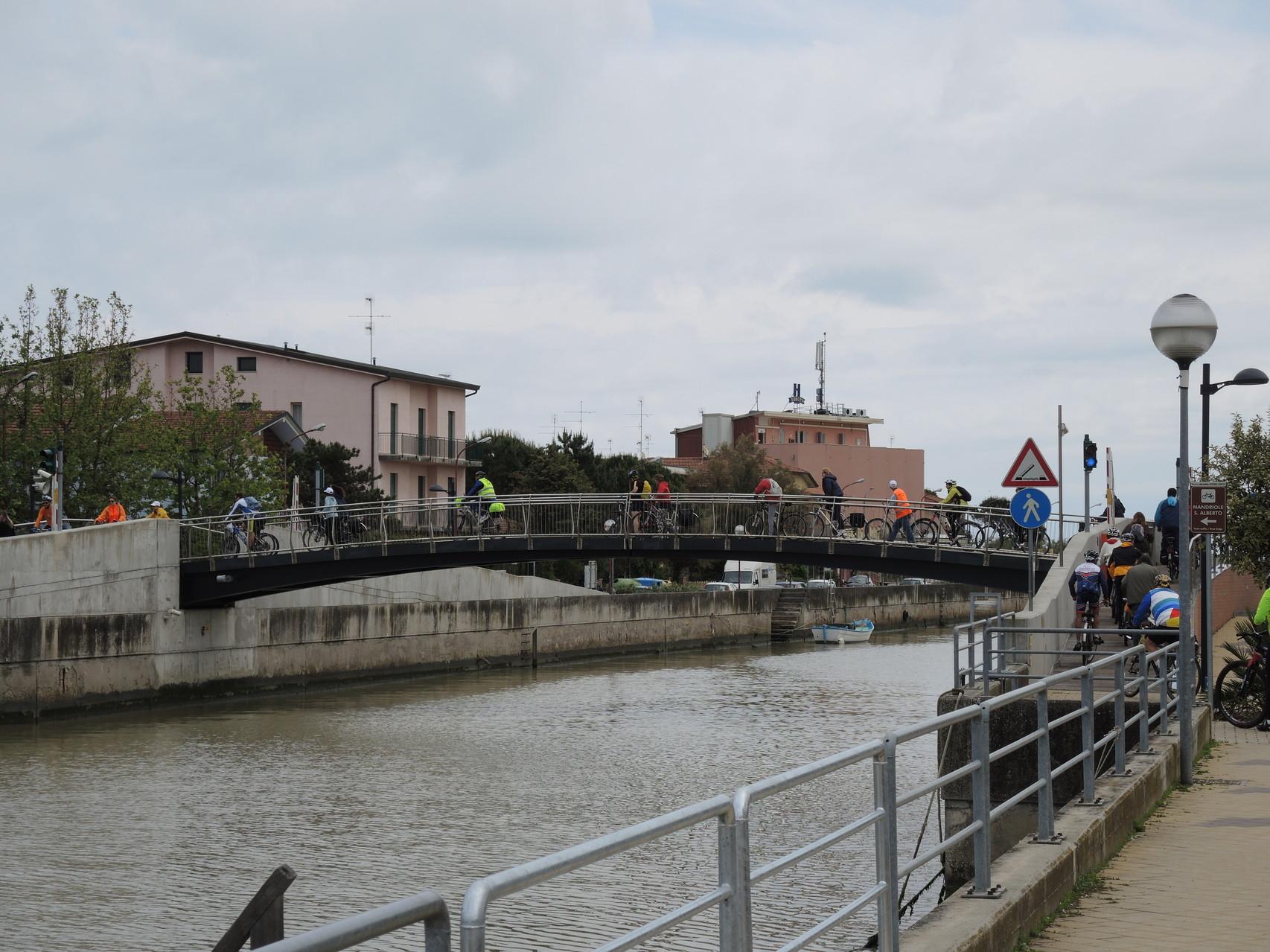 ponte ciclopedonale a Casalborsetti