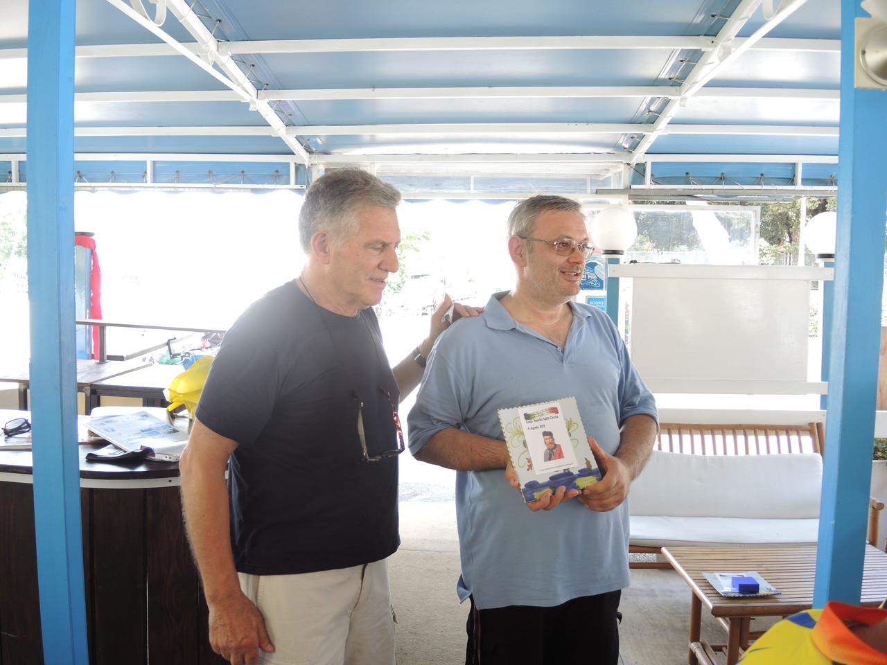 premiazione della Fiab RA quale associazione ciclistica assidua partecipante all'evento