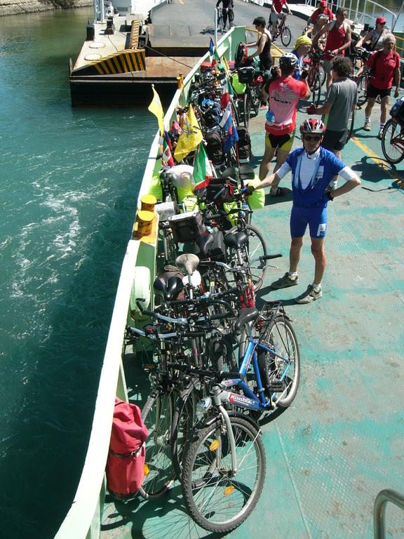 Sul ferry tra Pellestrina e Lido