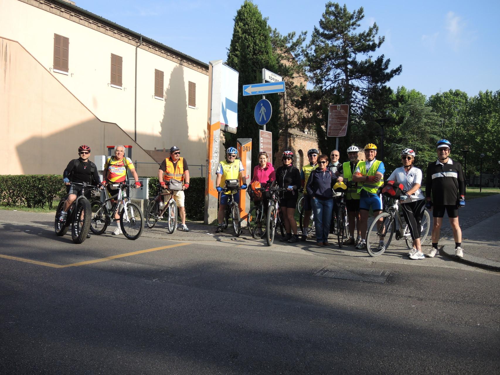 il gruppo alla partenza dai giardini Speyer