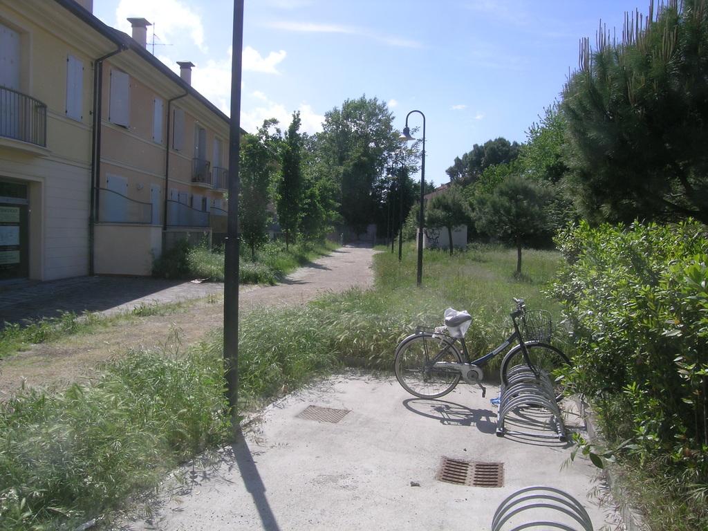 svegna intla muraja per ciclisti, qui una pista termina contro un muro da anni
