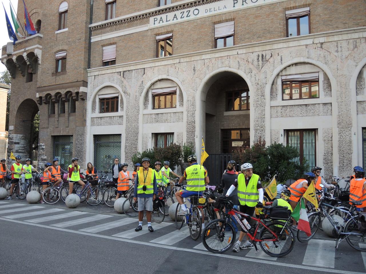 partenza dal Palazzo della Provincia di Ravenna