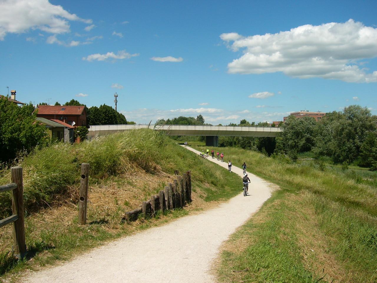 Ciclabile del Savio alla periferia di Cesena