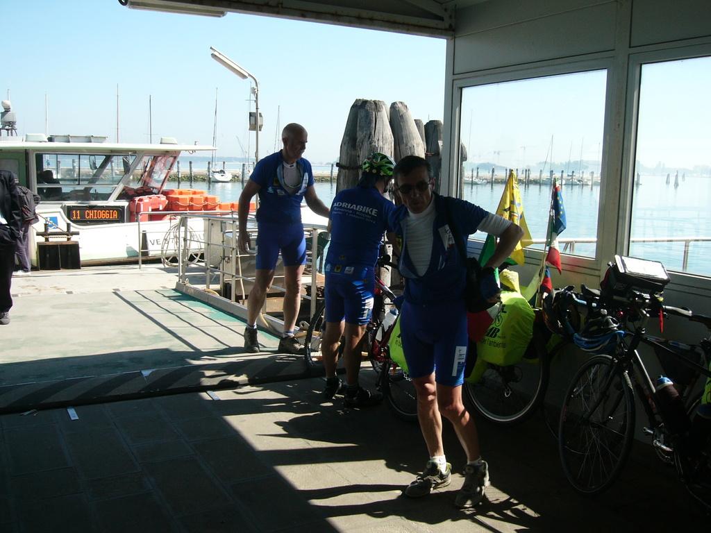 In attesa del traghetto per Pellestrina a Chioggia