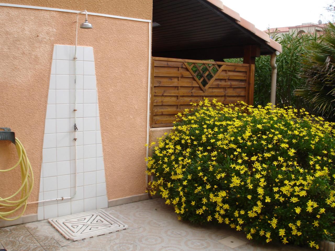 douche sur la terrasse