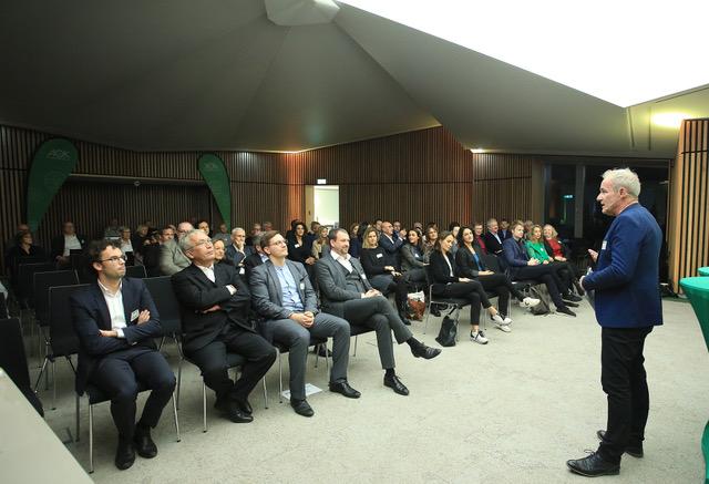 rbb-Moderator Andreas Ulrich führte durch die Veranstaltung (Foto: Stephanie Pilick)