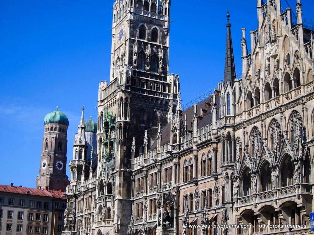 Incontournable: la Marienplatz et son hôtel de ville néo gothique à Munich