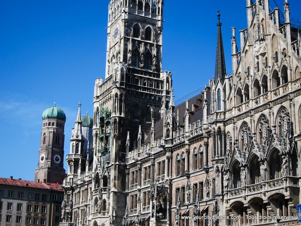 La Marienplatz et son hôtel de ville néo gothique